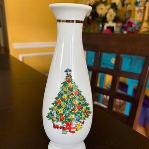 Vintage Xmas Treasure Jamestown China Vase 1980